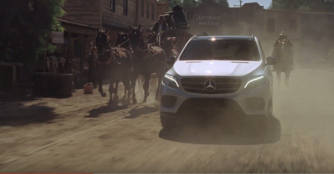 "2017 Mercedes-Benz GLE commercial – ""Lights, camera, action!"""