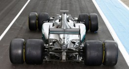 MERCEDES PIRELLI 2017 TEST: Silver Arrow with wide tires