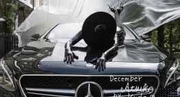 "Mercedes-Benz passenger car calendar 2017: ""She's Mercedes"""