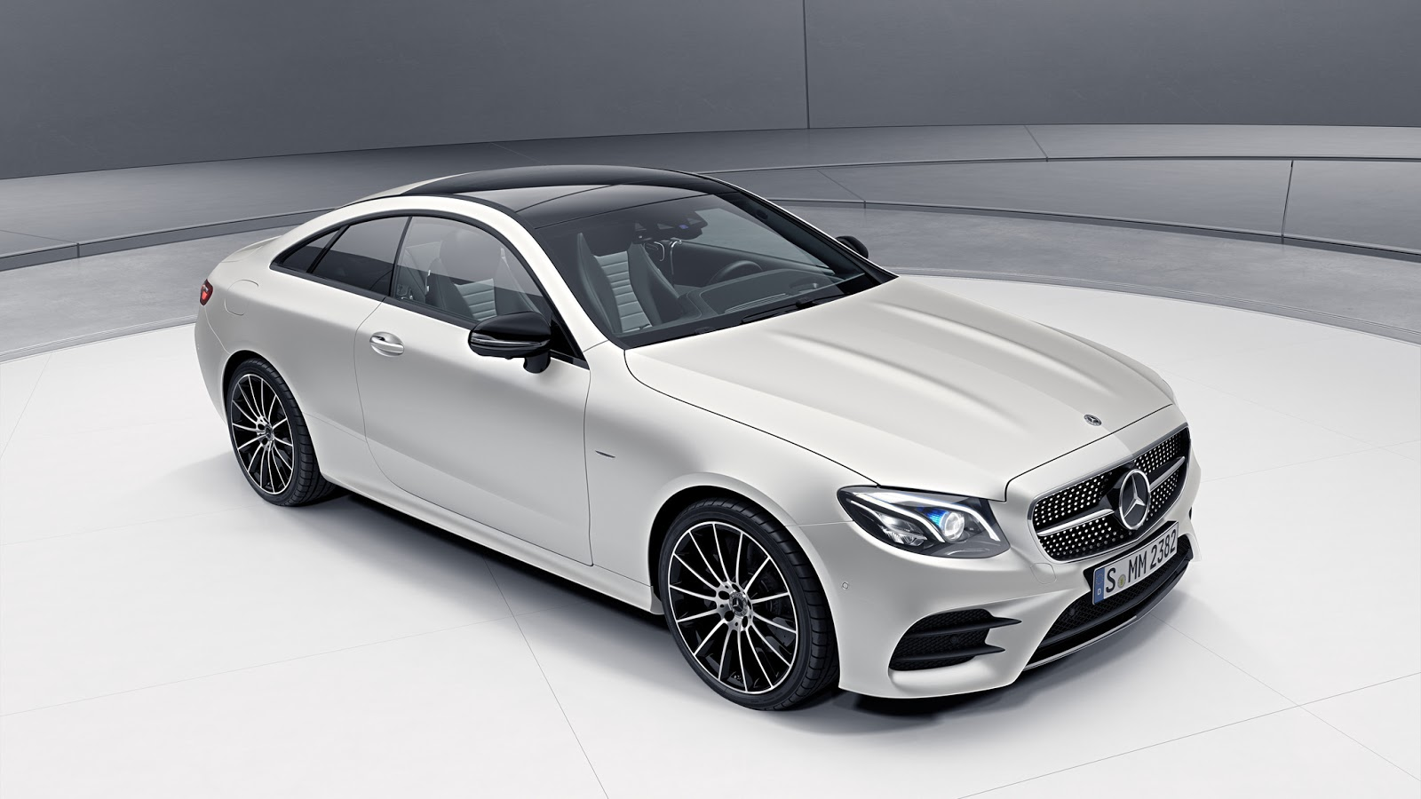 mercedes e class coupe edition 1 launch model limited to 555 units mercedesblog. Black Bedroom Furniture Sets. Home Design Ideas
