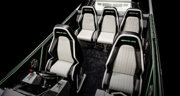Die Sitze im Innern wurden vom AMG Performance Studio mit einem markanten geometrischen Muster gefertigt. ;  The interior seat inserts were crafted by the AMG Performance Studio with a unique and striking geometric patterning.;