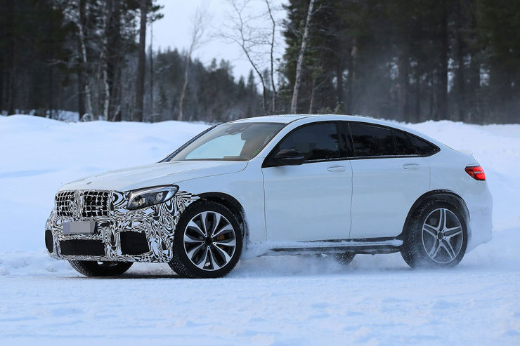 Mercedes-AMG GLC 63 Coupe: Super-V8 SUV out in the open