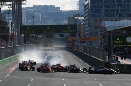 Chaotic Formula 1 race for Mercedes in Baku