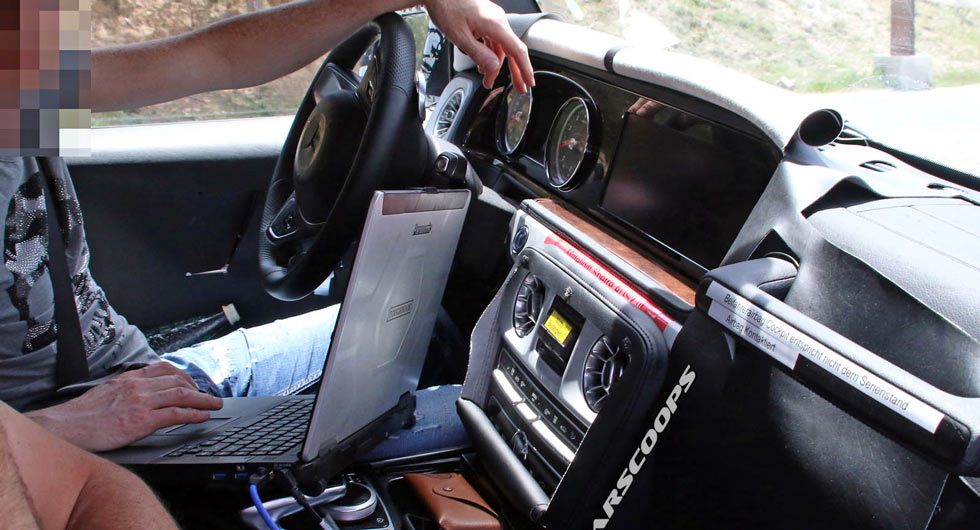 WORLD FIRST: New G-Class interior revealed, features dual screen layout