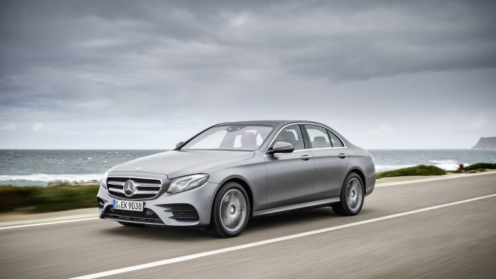 Next level in voice control – LINGUATRONIC gets brand-new features in the E-Class