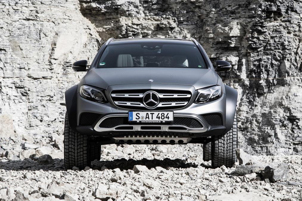 Mercedes-Benz E-Class All-Terrain 4×4² – Engineers gone slightly mad