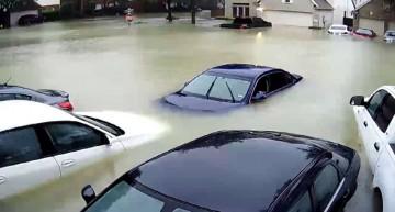 Daimler helps victims of hurricane Harvey
