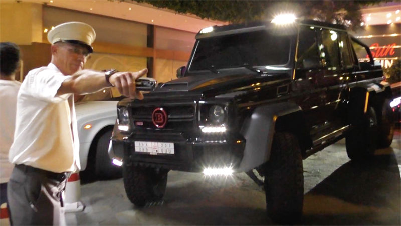 This car is just too big for a country that's so tiny! Try to park the Mercedes G 63 AMG 6×6 in Monaco