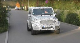 It's all getting digital – Spy video captures the digital dashboard of the 2018 G-Class