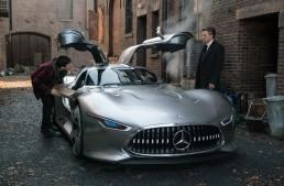 Justice League: Batman drives a Mercedes supercar