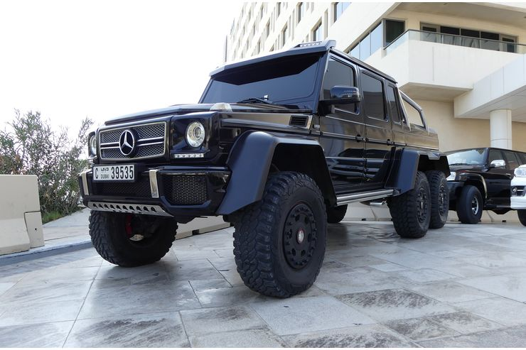 Gazillions of dollars in Abu Dhabi – The car parade that brought the beasts together