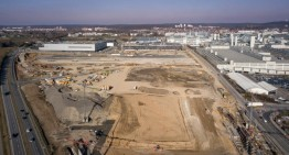 "Mercedes-Benz presents ""Factory 56"", world's most modern car plant"