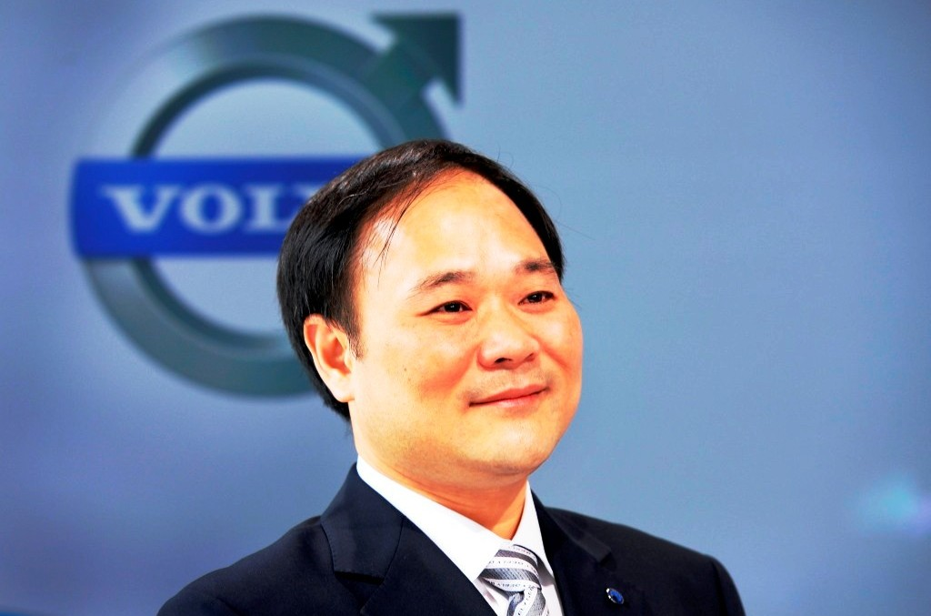 Li ShuFu became the biggest Daimler shareholder with 9.69%