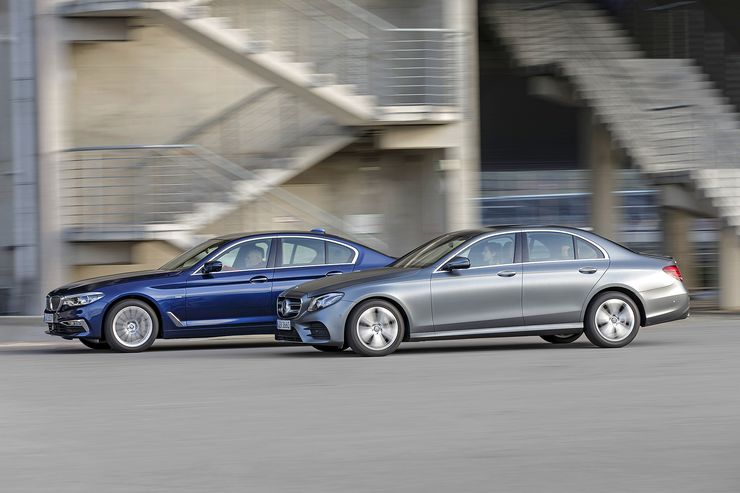 Powerful sedans, small displacement: BMW 530i vs Mercedes E 300