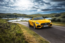 This is the new Mercedes-AMG GT S Roadster – Open air fun