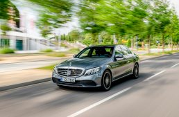 FIRST TEST 2018 Mercedes C-Class facelift: S-Class technology for the C-Class
