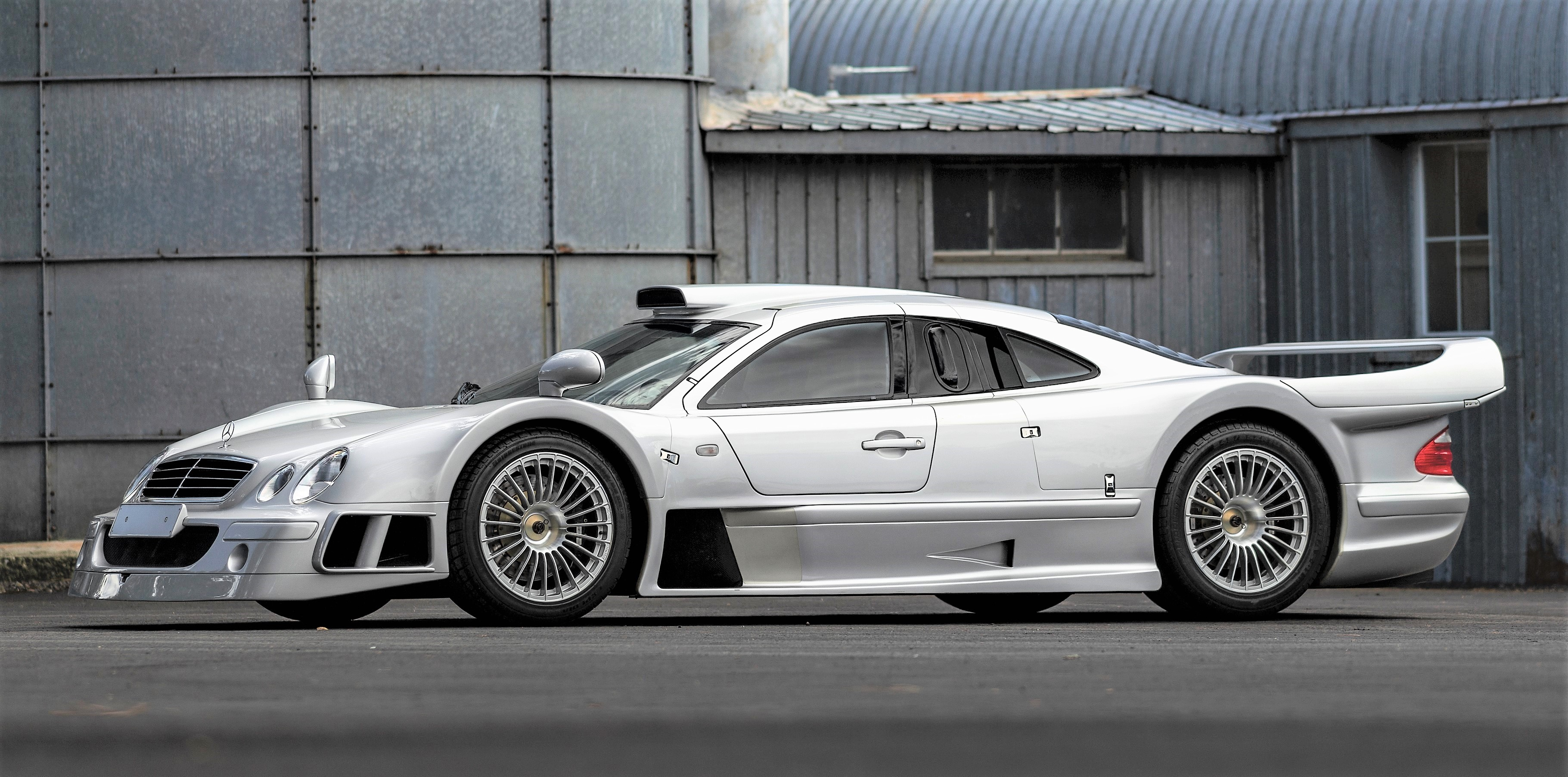 Mercedes Benz Clk Gtr >> Mercedes Benz Amg Clk Gtr Might Sell For More Than 5 Million