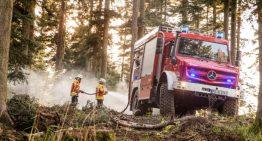 Unimog U 5023 – Extreme firetruck fights the hazards of forest fires