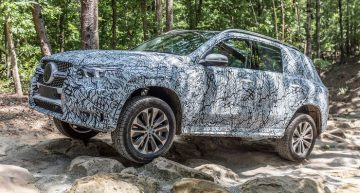 First drive as a passenger in a Mercedes GLE 450 2019 by auto motor und sport