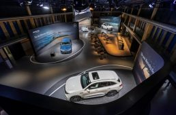 "LIVE from Paris: Mercedes-Benz GLE celebrates world premiere at ""Meet Mercedes"" event"