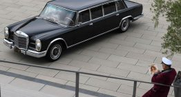 Playmobile: Kienle restores Hugh Hefner's Mercedes 600 Pullman