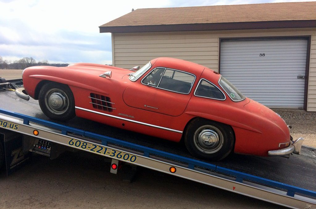 This is the $800,000 Mercedes-Benz 300SL Gullwing that doesn't even work
