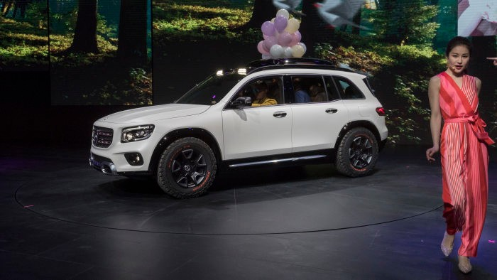 Production Mercedes-Benz GLB will be revealed this summer, electric variant coming in 2021