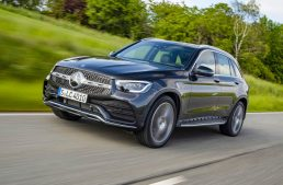 First test Mercedes GLC 300 d facelift: Bestseller SUV gets fresh engines and tech