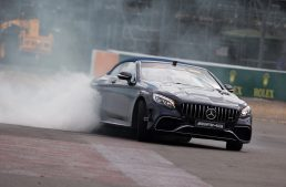 """Mercedes-AMG wishes Sir Frank Williams """"Happy anniversary"""" in a very fast way"""