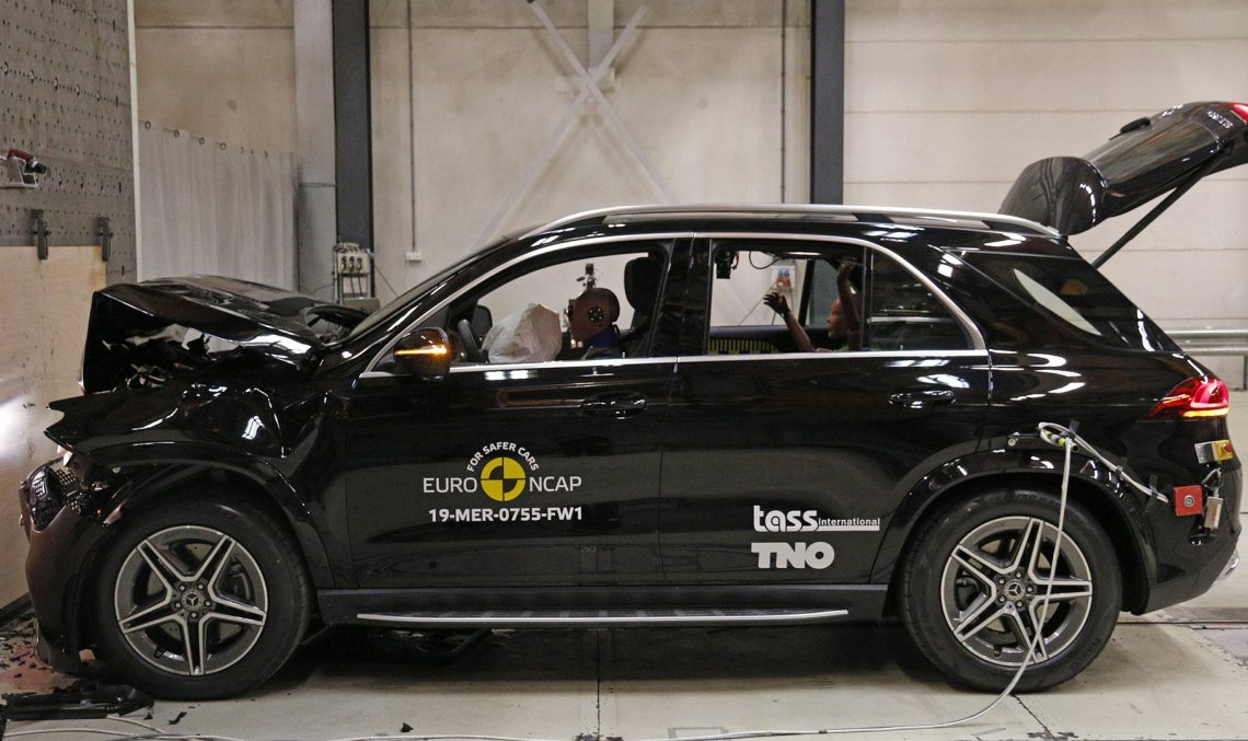 The new Mercedes-Benz B-Class and GLE get top score at the safety tests