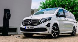 First video showing the Mercedes-Benz EQV electric minivan is here