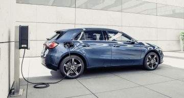 20 plug-in hybrid models till the end of 2020: Mercedes, first maker to offer DC charging