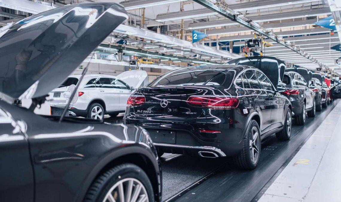Save for electrification: Daimler cuts thousands of jobs till 2022