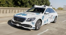 Mercedes and Bosch test autonomous cars in ride-hailing app