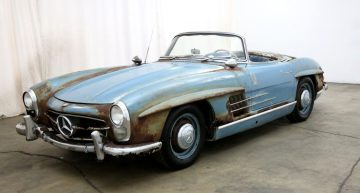 Hidden for 50 years. An original Mercedes-Benz 300 SL, looking pathetic, sold for a fortune