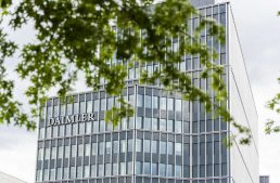 Coronavirus: Daimler closes all its factories in Europe in response to the COVID-19 pandemic