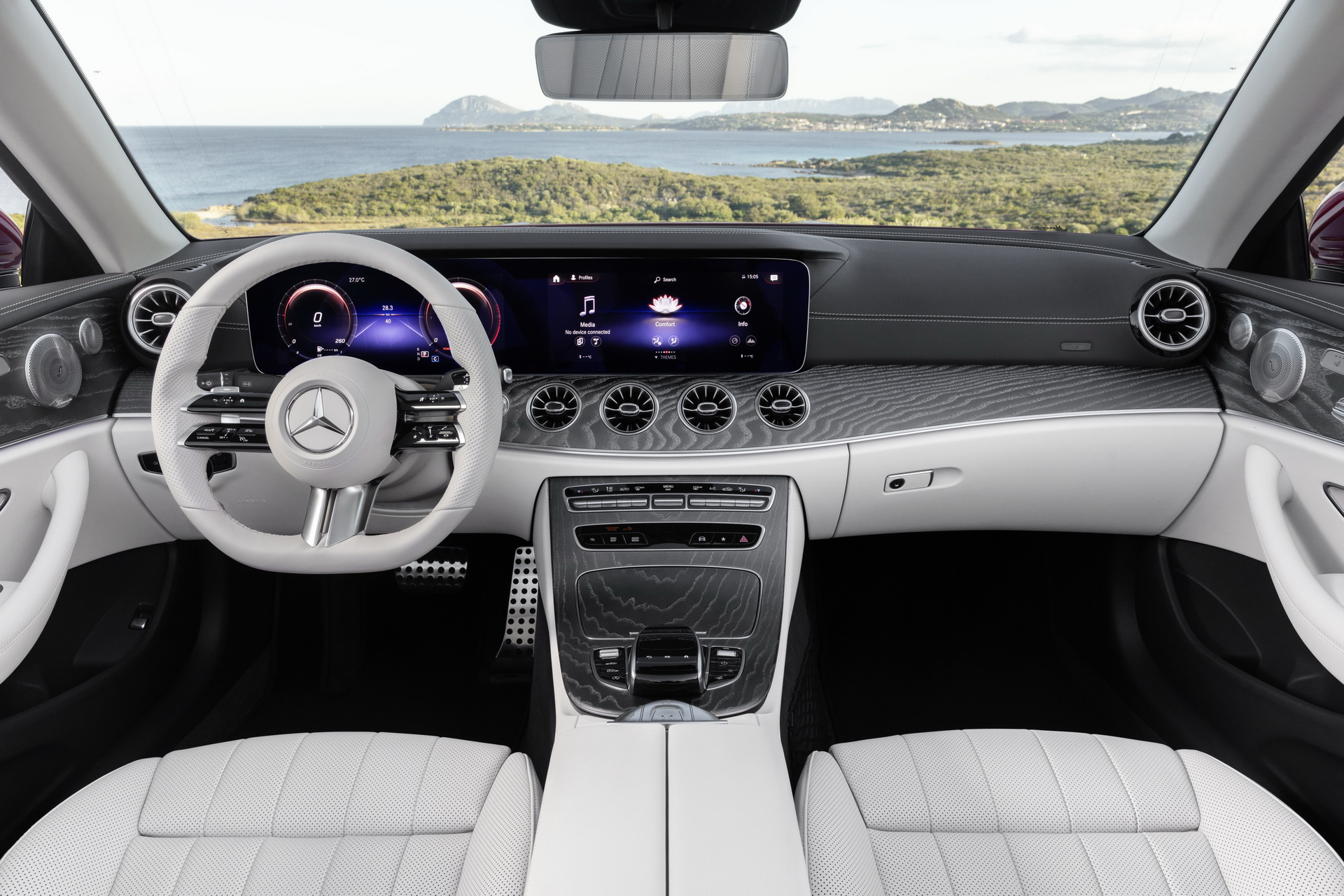 Mercedes-Benz E-Class Coupe and Cabriolet (28)