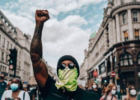 Lewis Hamilton protests (4)