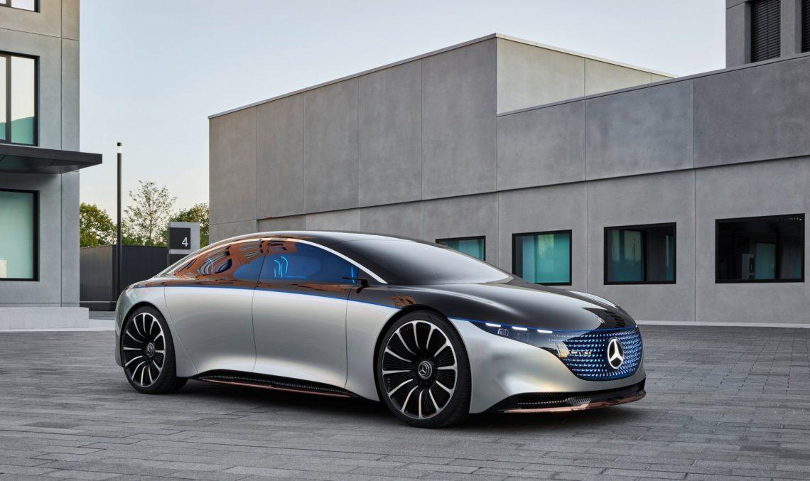 How will Mercedes-Benz build an autonomous car ahead of BMW?