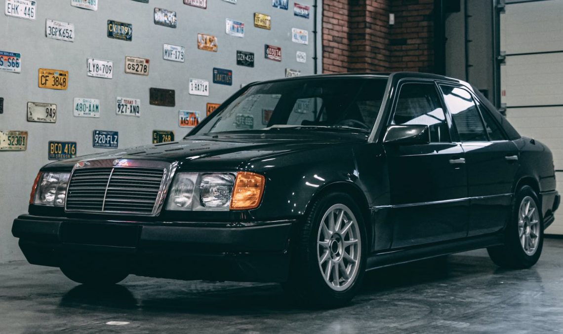 An impossible marriage: Mercedes 300E W124 with BMW engine