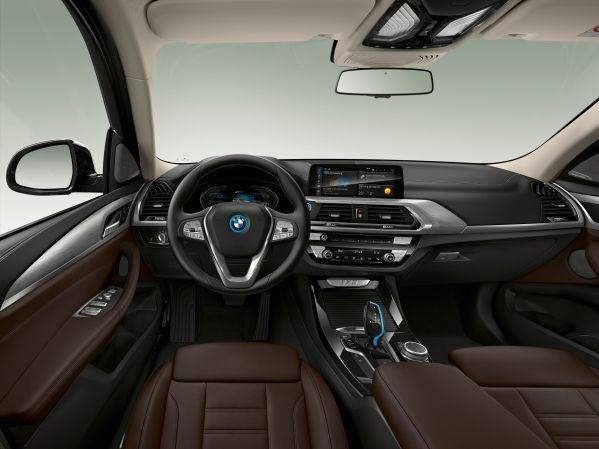 static test BMW iX3 vs mercedes EQC 2020