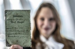 Mercedes-Benz Museum – How driving licence used to look