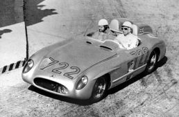 """Mercedes-Benz 300 SLR """"722"""" wins """"Best in show"""" at the first Concours Virtual"""