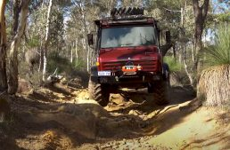 Man modifies his Mercedes-Benz Unimog U1300 L37 and is ready for doomsday