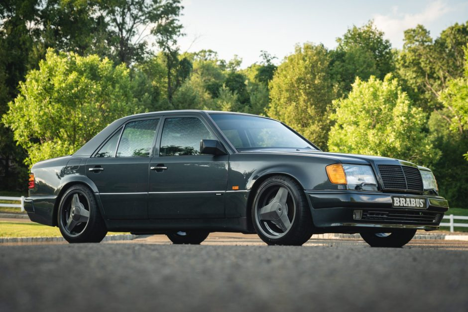 A rare Mercedes 500E Brabus 6.0 could not be sold at auction