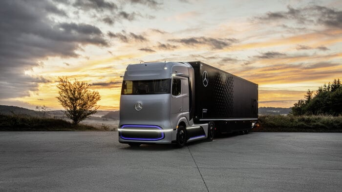 Mercedes-Benz GenH2 Truck – World premiere of fuel-cell concept truck