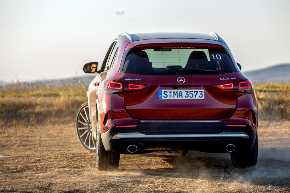 review Mercedes-AMG GLA 35