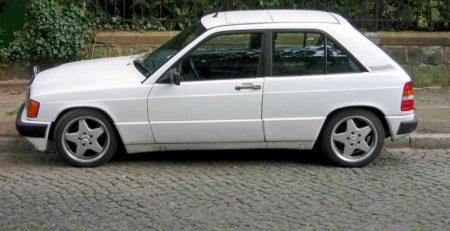 Mercedes-Benz 190 E hatchback (1)