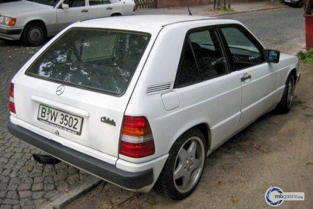 Mercedes-Benz 190 E hatchback (4)