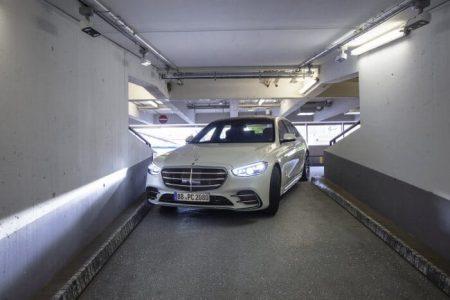 New Mercedes-Benz Stuttgart airport autonomous parking (11)